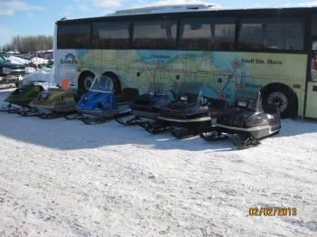 Vintage display & Kewadin bus