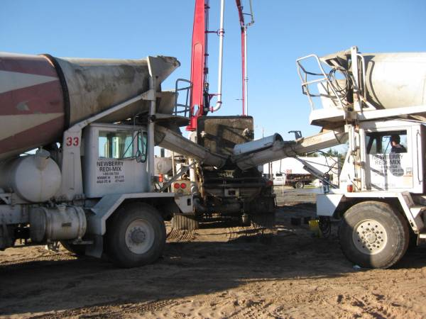 Unloading the cement